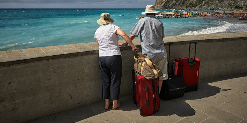 Old couple on baecation