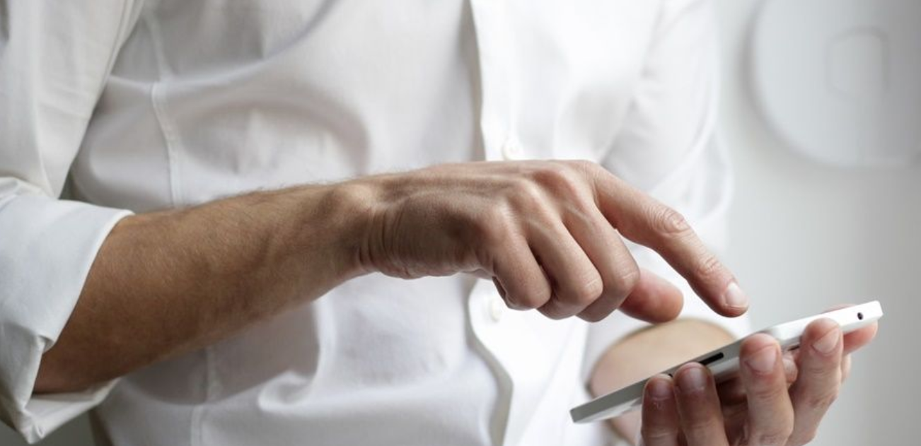 Social media for clinics: handling comments