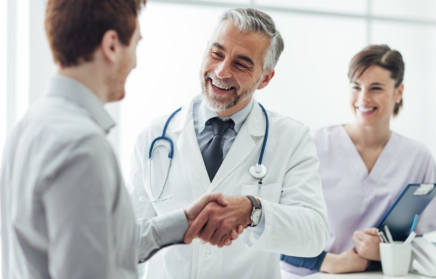 How to win the patient in the first appointment?