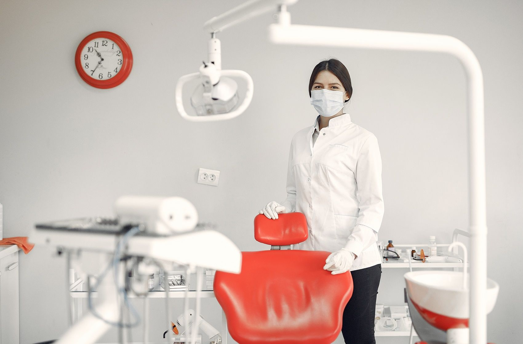 How to set up a dental office?