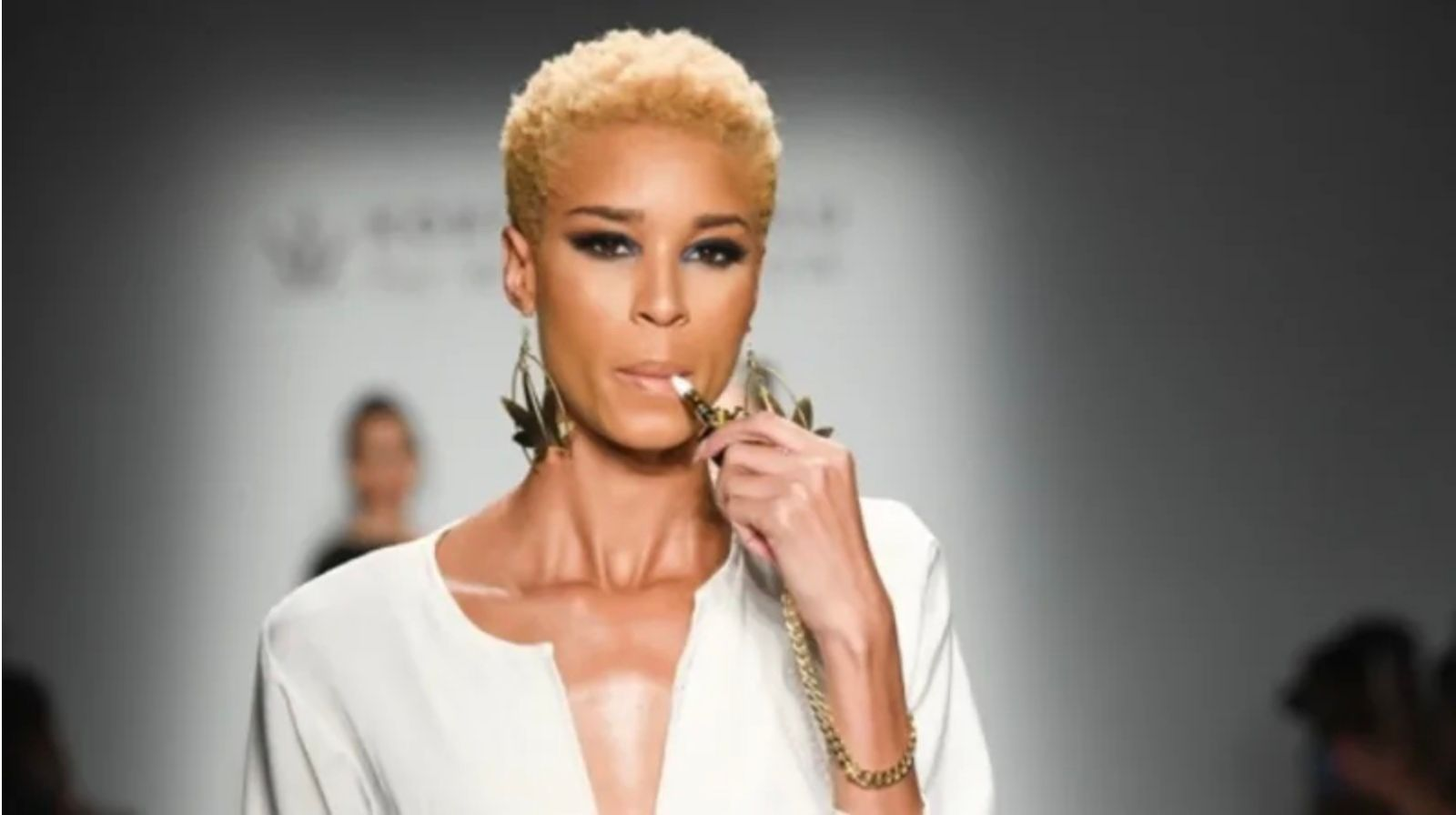 project-runway-runner-up-korto-momolu-made-waves-in-the-fashion-industry-through-her-cross-disciplinary-collaboration-with-one-of-the-main-authorities-on-the-cannabis-industry-women-grow