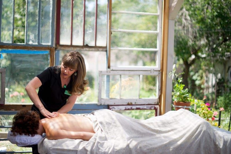 Gua Sha and Alternative Practices Open Paths to a Cannabis-Friendly Spa Industry
