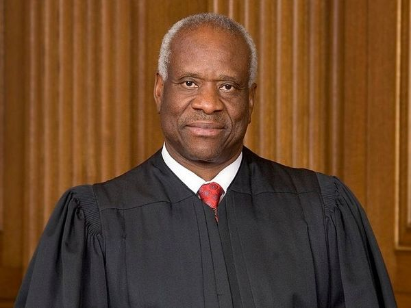 """Supreme Court Justice Clarence Thomas Says Current State-Federal Cannabis is """"Untenable"""""""