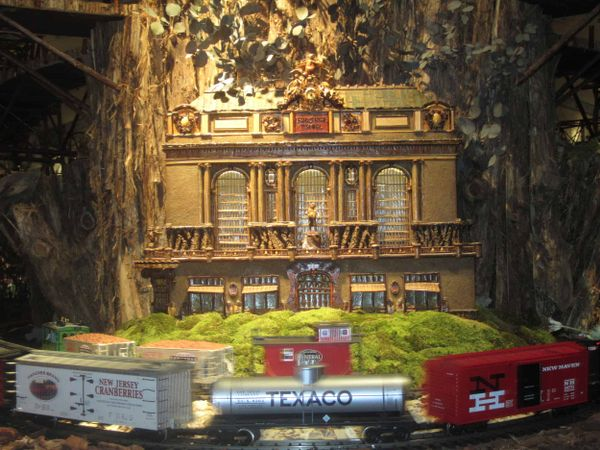 Ride It, Ride It to the New York Botanical Garden's Holiday Train Show