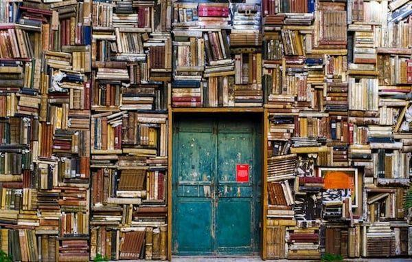 8 Books That Destabilize Master Narratives